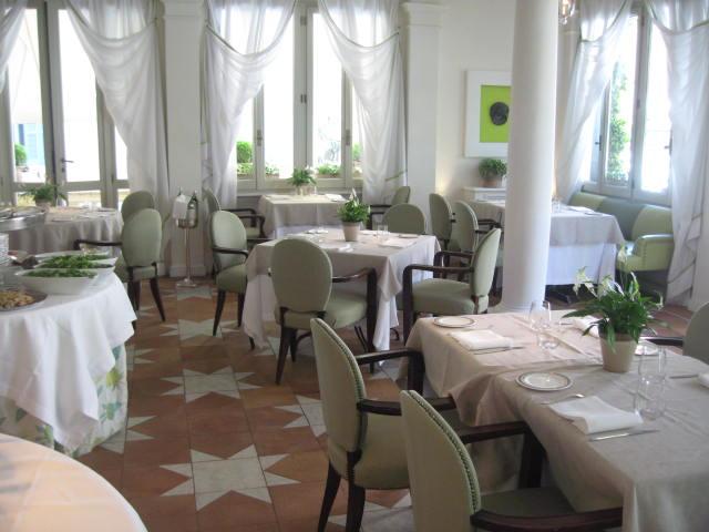 rome hotel de russie
