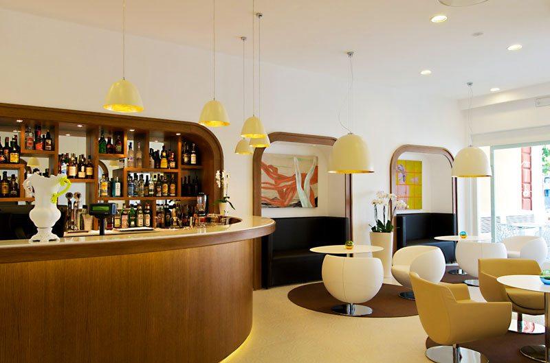 hotel plaza sorrento travel through italy. Black Bedroom Furniture Sets. Home Design Ideas