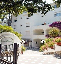 Mamela Hotel Capri Featured