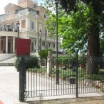 Casina Valadier is on top of the hill from Piazza del Popolo