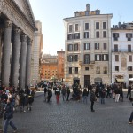 The square in front of the Pantheon is usually crowded