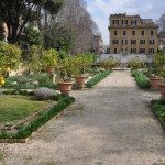 Galleria Borghese has many sculptures displayed here