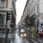 Via del Corso crosses wit other famous streets for shopping in Rome