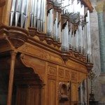 You'd be lucky to hear the organist perform