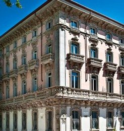 Hotel-Chateau-Monfort-Milan_featured